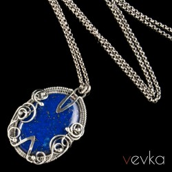"""Wisior z lapisem lazuli """"Kiedy gasną światła"""""""