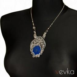 """Wisior z lapisem lazuli """"Maleficent""""III"""