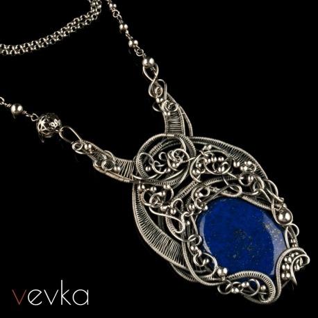 """Wisior z lapisem lazuli """"Maleficent""""IV"""