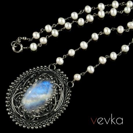 "Naszyjnik z kamieniem księżycowym ""Księżycowe obietnice""IV"
