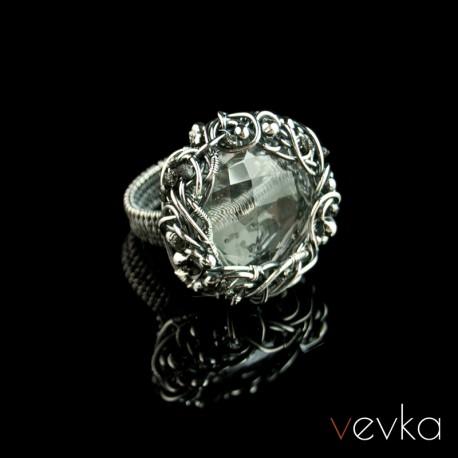 """Pierścionek z kryształem górskim """"Diamenty są wieczne"""""""